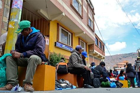 Bolivia: FFAA inician reclutamiento militar que incorpora a mujeres