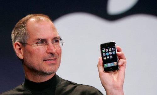 Diez años del primer iPhone, el teléfono que cambió las reglas de la industria