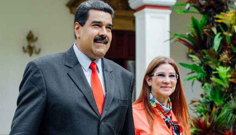 Jaime Bayly La Esposa De Maduro Se Fue A Punta Cana En Un Avion En El Se Iba El Dictador Si Lo Sacaban En ese momento capital de su vida, a pocos días de cumplir setenta años, garcía debe gobernar no ya a su jaime bayly putas en el cielo. jaime bayly la esposa de maduro se fue