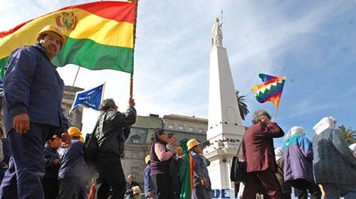 Garantizan que no se expulsará a bolivianos